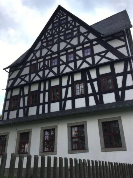 Fachwerk des Herrenhaus Treuen - Ausflugstipp im Vogtland | Schloss in Treuen
