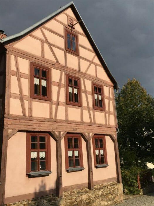 Tipp für einen Ausflug im Vogtland: Die Umgebindehäuser in Treuen
