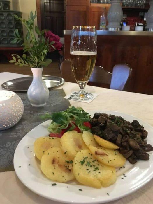 Ausflugsziel in Plauen im Vogtland - die Gaststätte Tennera mit Biergarten
