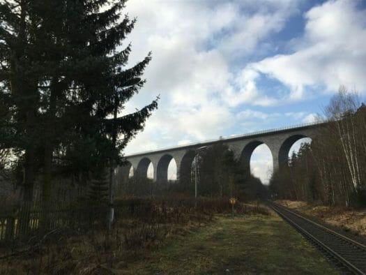 Die Autobahnbrücke in Pirk Vogtland / Sachsen