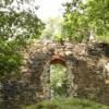 Die Burgruine Liebau unweit der Talsperre Pöhl