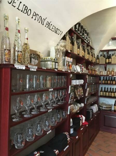 Blick in den Shop der Brauerei Svaty Florian in Loket