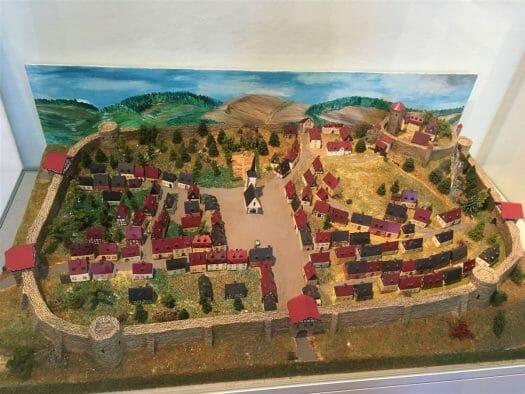 Ausstellung zur Stadtgeschichte im Museum Auerbach