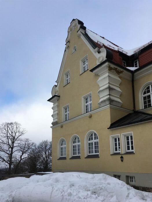 Ausflug im Winter nach Schöneck - Rathaus
