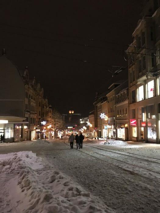 Winterausflug in Sachsen - winterlicher Spaziergang durch Plauen - Bahnhofstraße im WInter