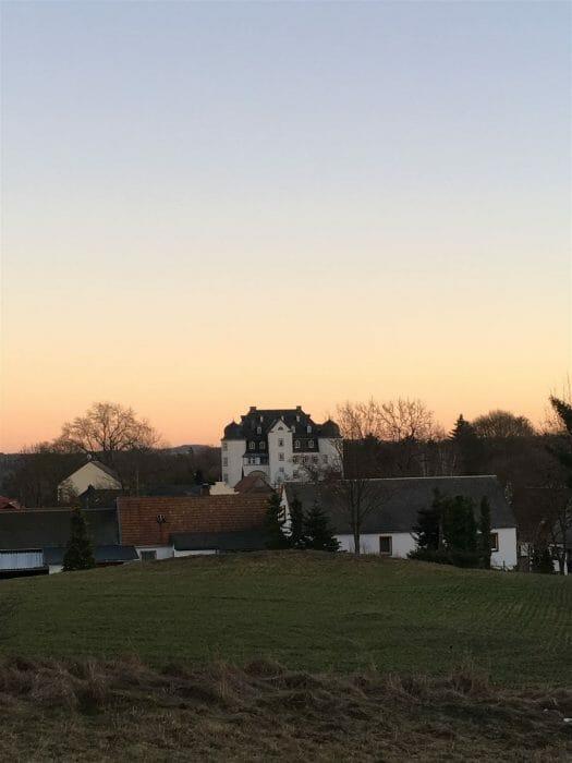 Blick zum Rittergut Heinersgrün von der Kapelle aus