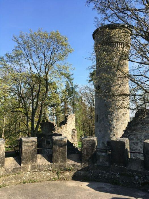 Blick auf den Turm am Theresienstein