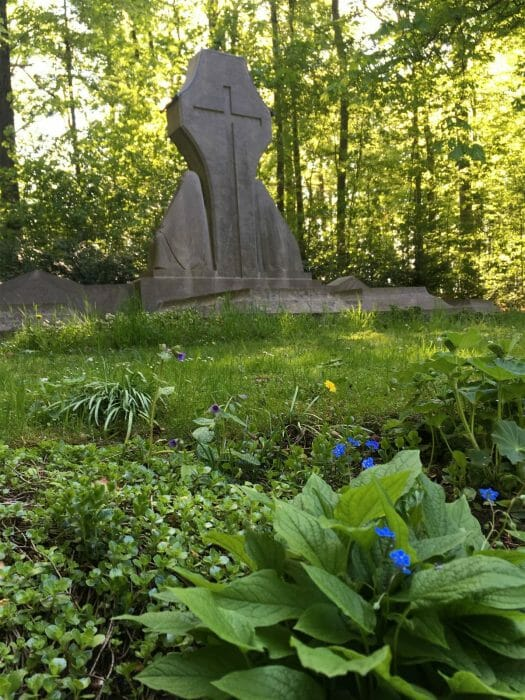 Ausflug: Landschaftspark Ebersdorf - Thüringen - nahe der Bleilochtalsperre - Ernst Barlach- Grabmal