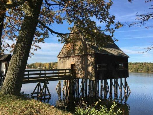 Pfahlhaus an den Plotherner Teichen - Wandern in Thüringen
