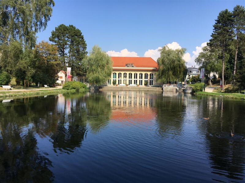 Spaziergang durch den Kurpark von Bad Brambach in Sachsen