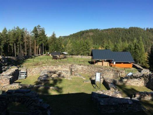Wanderung: Ausflug zur Burgruine Wysburg