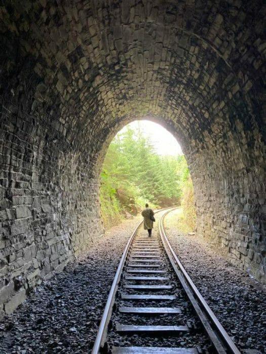 Wanderung zur Ziemestalbrücke in Thüringen - Durch Tunnel und über Schienen